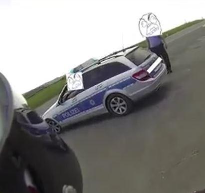 Verkehrskontrolle Polizei Sturheit Helmkamera Alltagssatire
